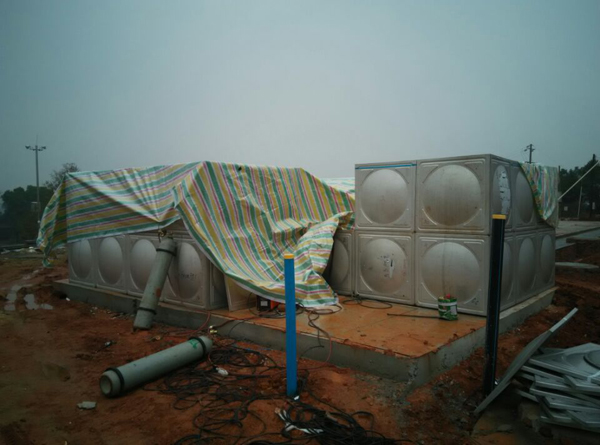 长韶娄灰汤服务区-恒压供水设备