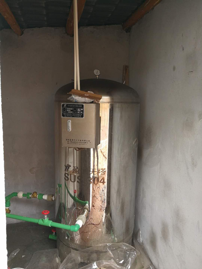 湖南湘潭客户向我司购买的无塔供水器